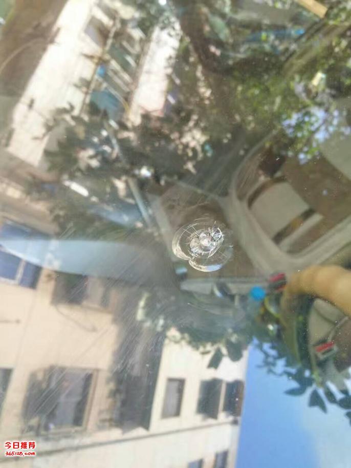 巩义汽车挡风玻璃破损后在什么情况下可能会裂长了
