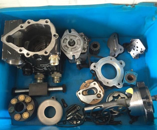 厂家专业维修供应压路机萨奥mpv046液压泵图片