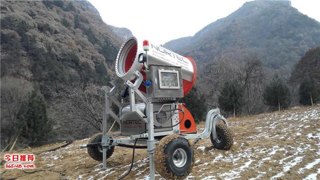 北京滑雪场造雪机深受滑雪业客户好评造雪机