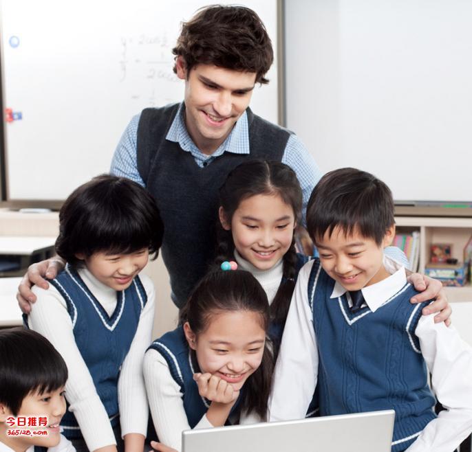 重庆巫溪校服定做,巫溪中小学班服定制