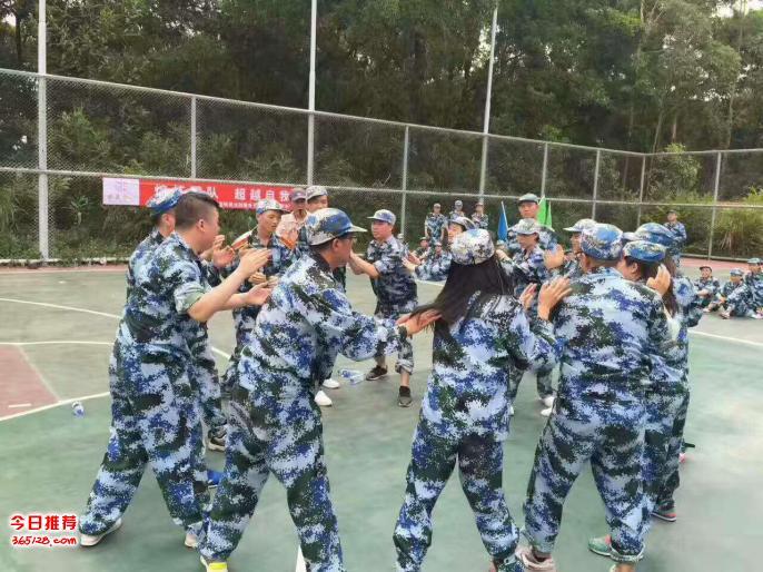 深圳大鹏周边团队拓展训练、冒烟真人CS野战周边游