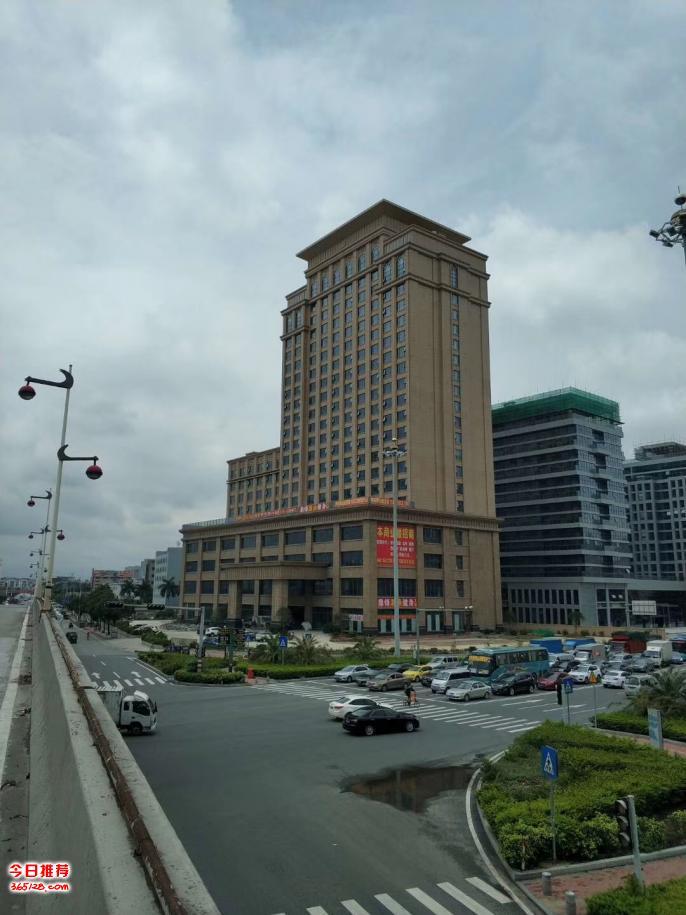凤岗汽车站附近写字楼裙楼招大型餐饮-培训机构进驻