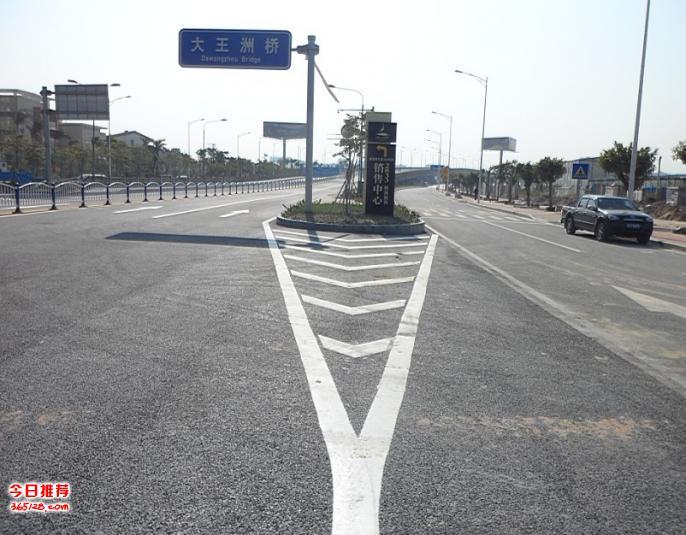 道路标线,道路指示牌,公路护栏,龙门架,停车场设施,交通安全设施等