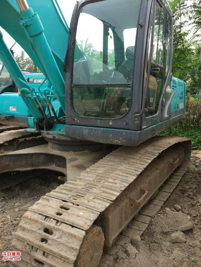 神钢260挖掘机出售,工程活少,低价紧急转让!  没打过锤,土