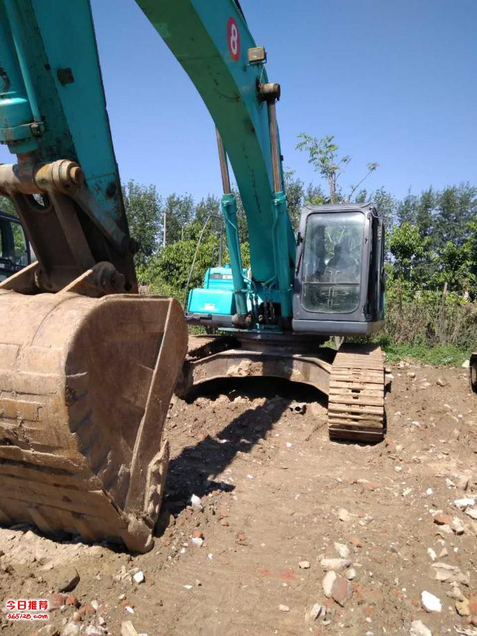 神钢350挖掘机出售  2010年生产的  售价:61万元 个人土方车