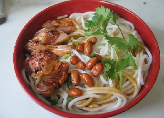 桂林米粉培训  学习桂林米线要多少钱呢