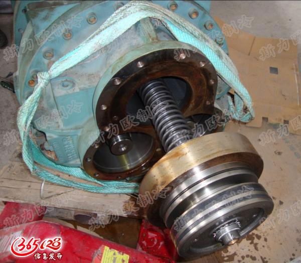 约克螺杆压缩机奔油维修,约克螺杆压缩机维保,螺杆机维修保养